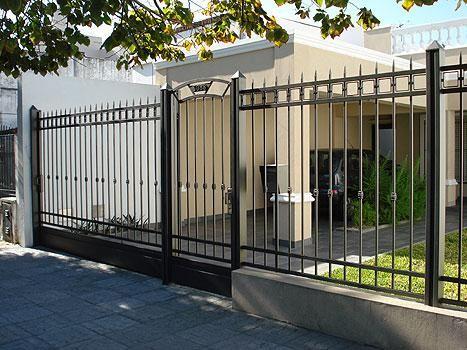 Metallic fences