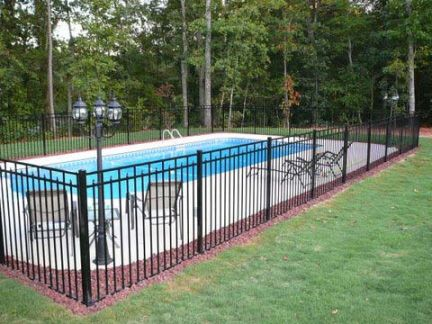 Fences for swimming pools