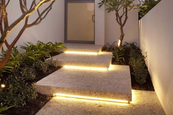Stylish entrance designs with steps Look stylish!