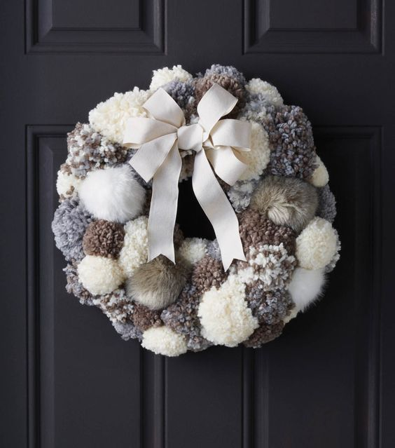 decorate with wool pompoms VI