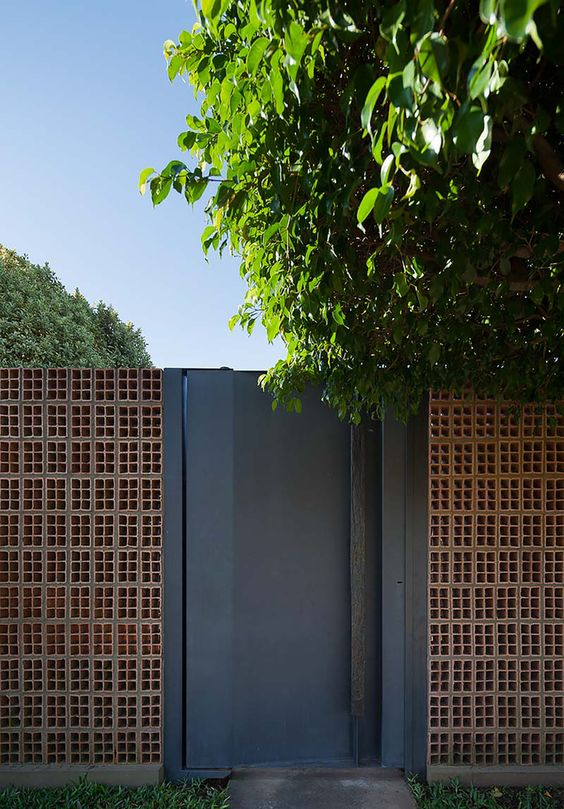 Façades that protect your home from insecurity