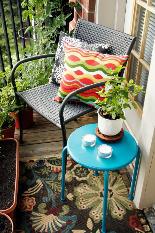 Ideas for colorful balconies