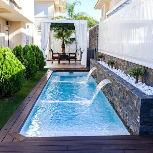 Small pools and jacuzzis