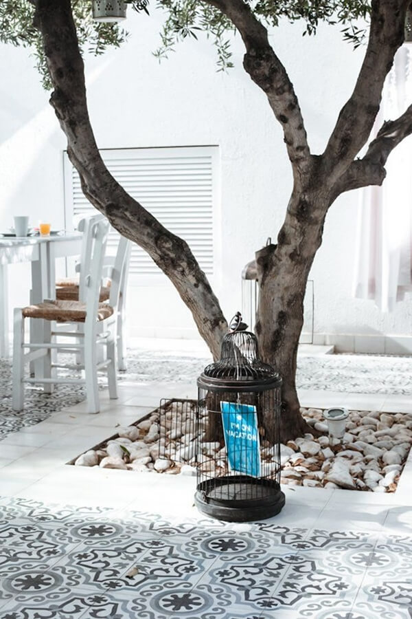 Hydraulic floor for exteriors