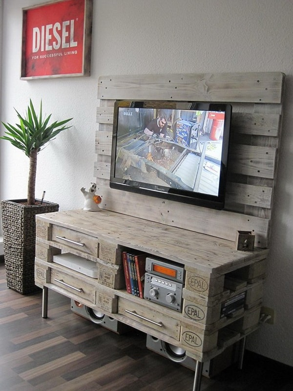 TV cabinet with wooden pallets