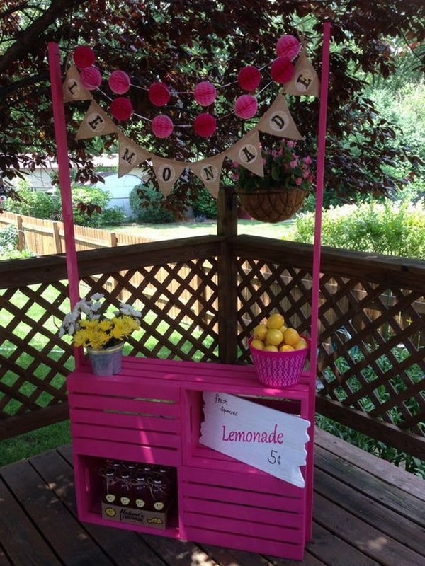 Lemonade stand with wooden crates
