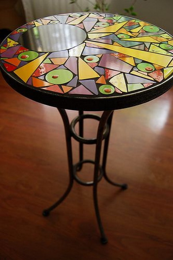 Personalized round table with mosaics