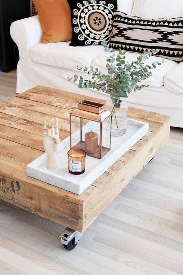 Side tables with wooden pallets