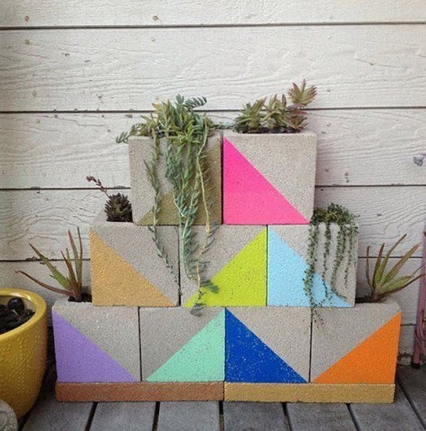 Vertical garden with cement blocks