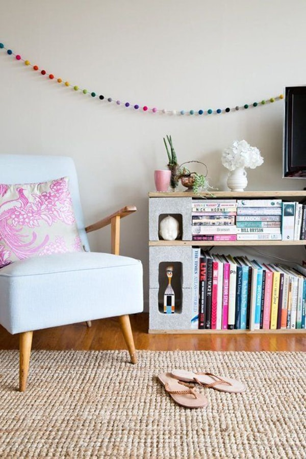 Furniture with cement blocks to place the TV