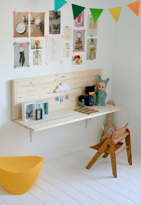 Study space made of pallet wood