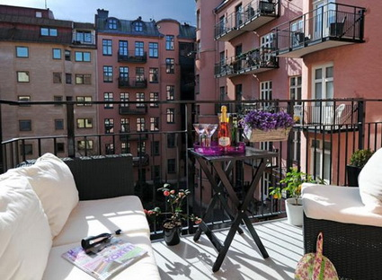 Economical ideas for small balconies