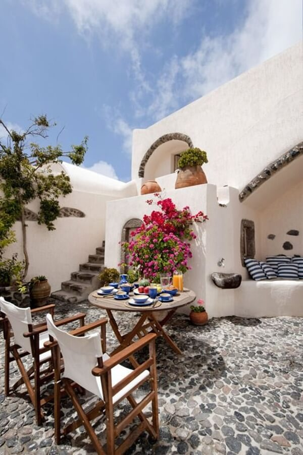 Ideas to create a Mediterranean terrace