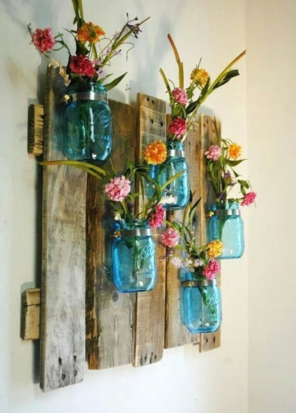 Crafts with cans and glass containers