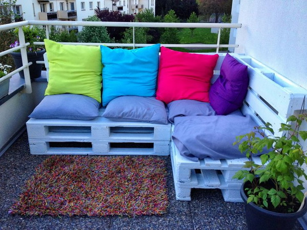More ideas for furniture made from pallets