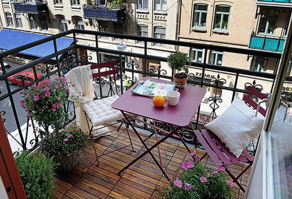 10 stylish urban balconies
