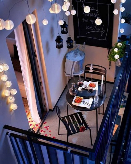 Decoration of a small balcony with lights