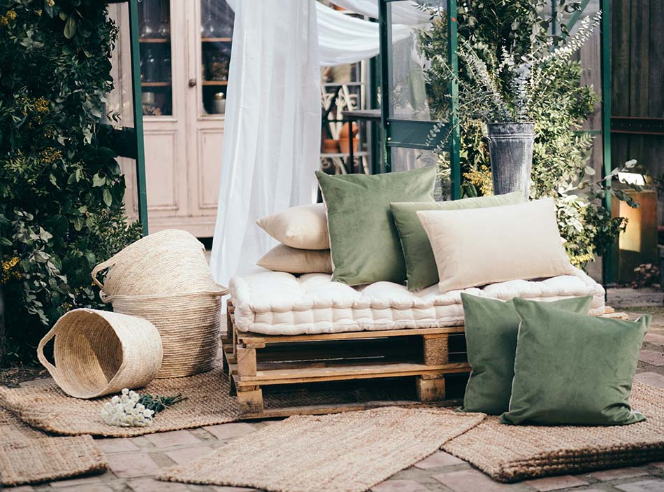 easy recycling ideas, sofa with pallets, pallets
