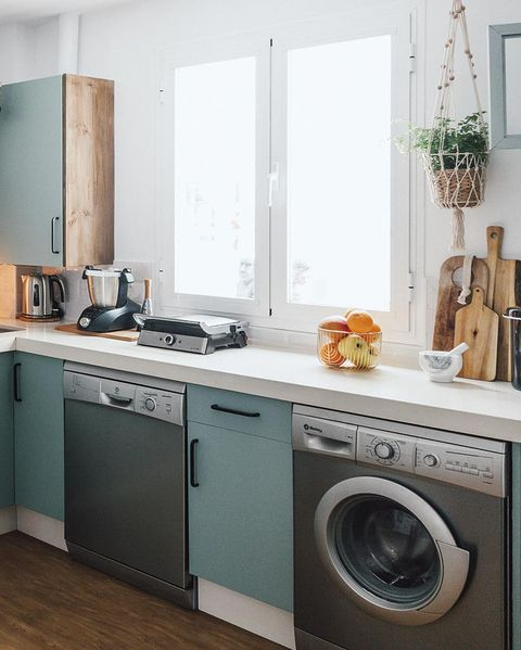 Kitchen before and after: Electrical appliances