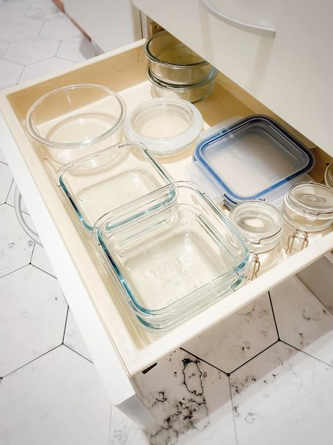 pull-out drawer with lids