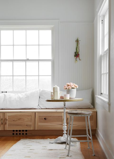 chic farmhouse style breakfast nook with wooden bench