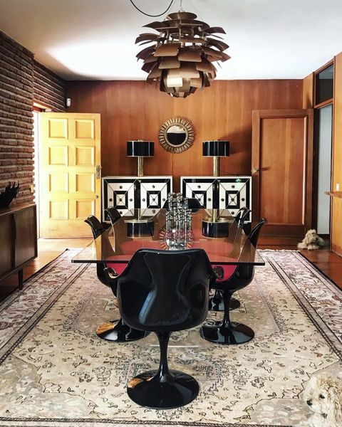 mid century dining room at bibiana fernández's house