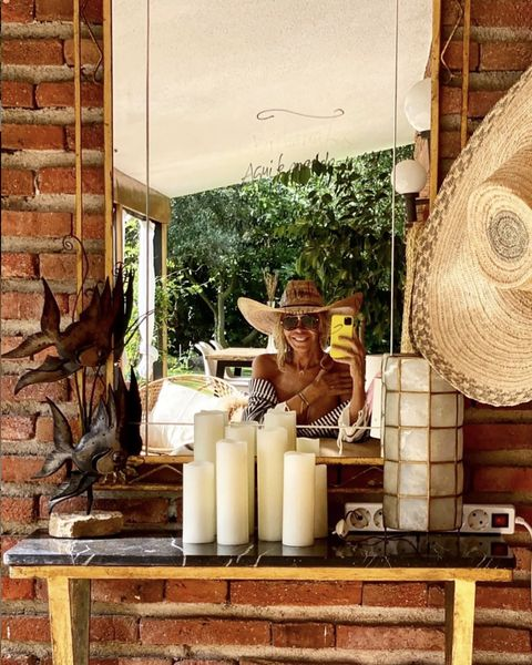outdoor corner with mirror in bibiana fernández's house