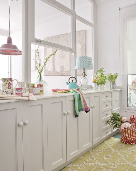 glazed white modern kitchen