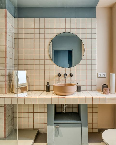 a vintage and cool apartment in barcelona vintage bathroom 50s