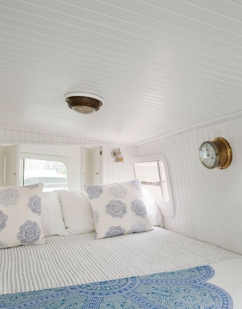 nautical style bedroom