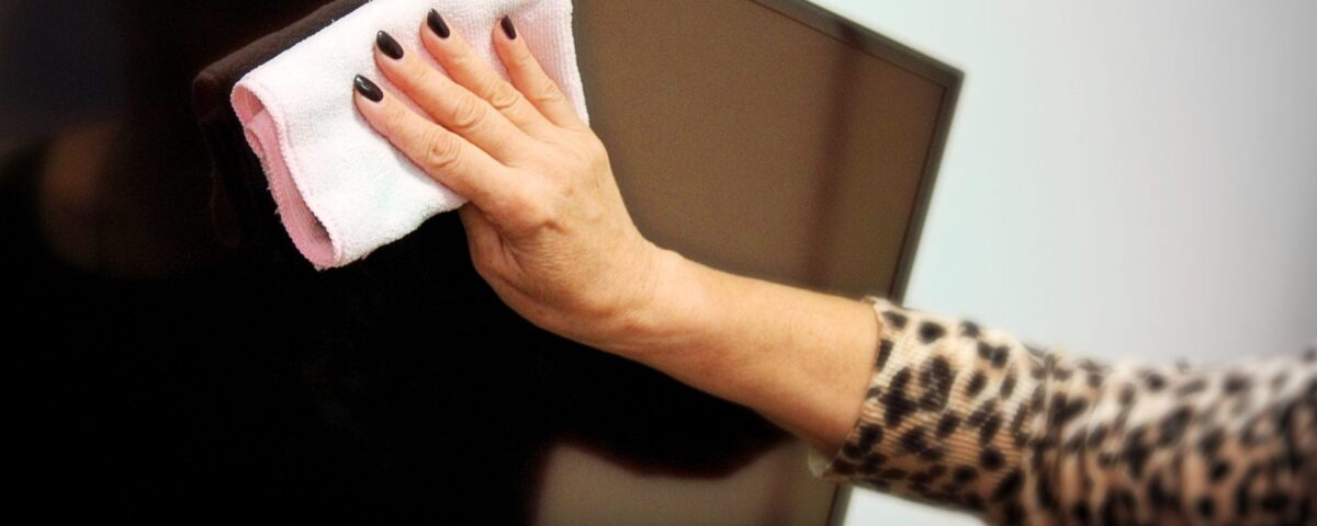 how-to-clean-the-tv-screen-2