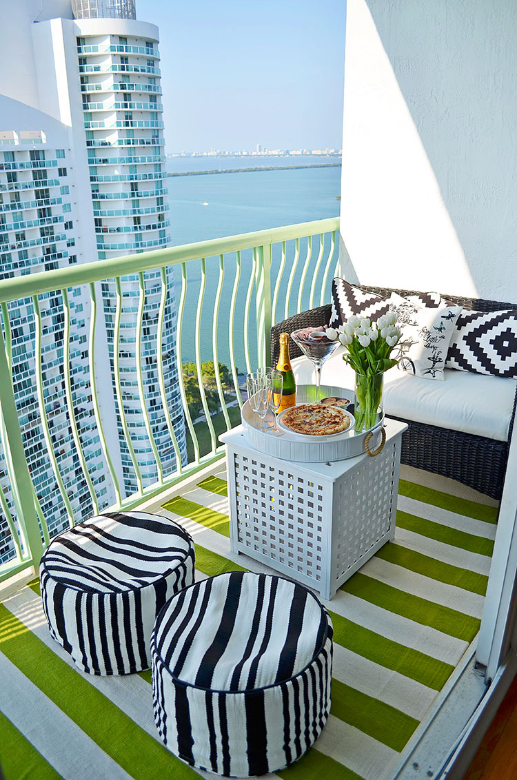 Ideas for embellishing a terrace with n.4 fabrics