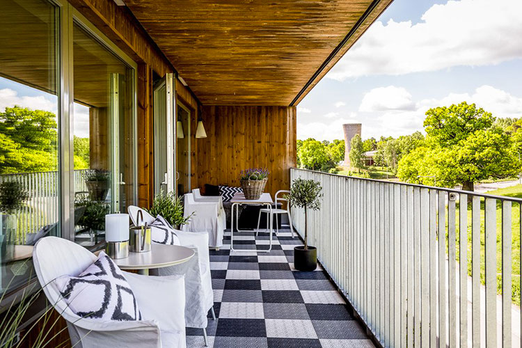 Ideas for decorating a narrow and long balcony n.02