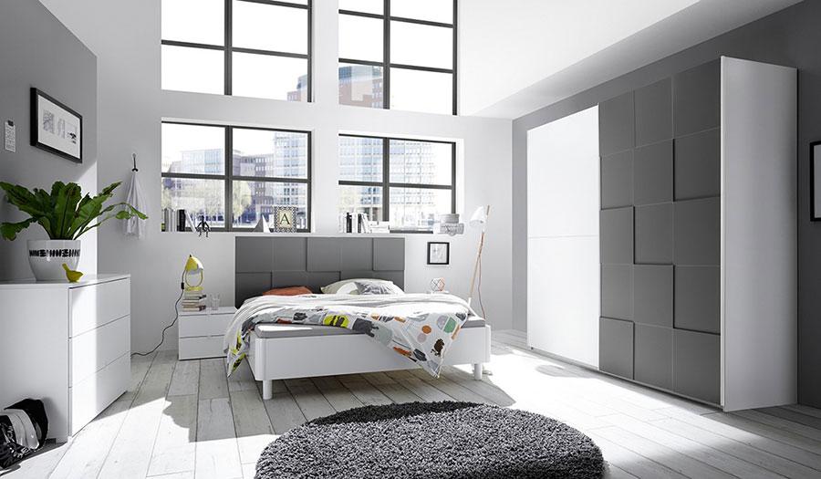 Gray and White Bedroom Decor Ideas # 04