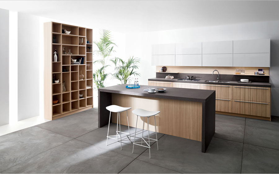 Photo of the kitchen with island and bar shelf for breakfast n.14