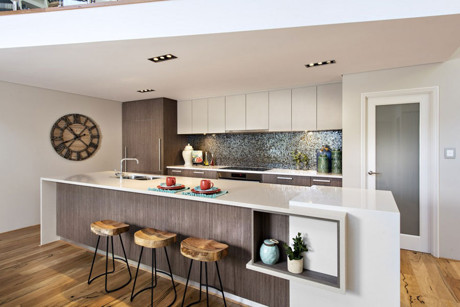 Photo of the kitchen with island and bar shelf for breakfast n.20
