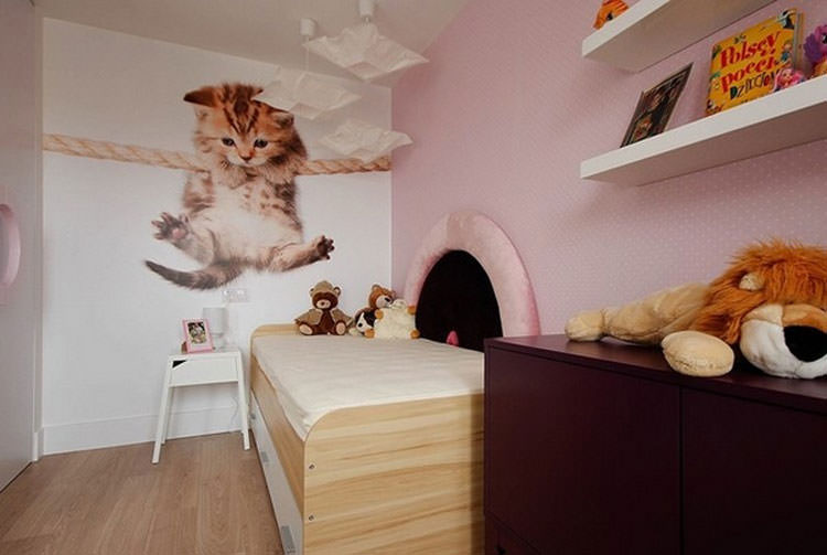 Kids bedroom with wall decorations n.24