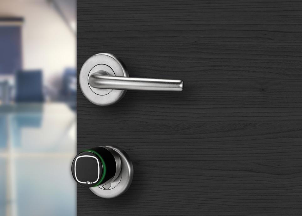 how-to-open-the-locked-entrance-door-4