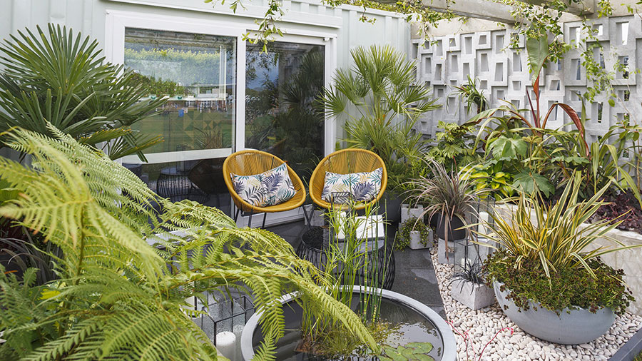 Ideas for decorating a balcony with plants n.03