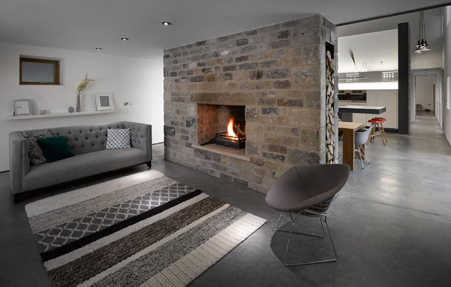 Central fireplace with dividing function n.02
