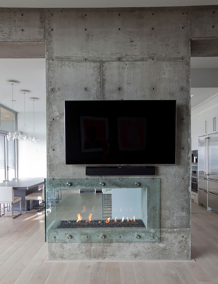 Central fireplace with dividing function n.11