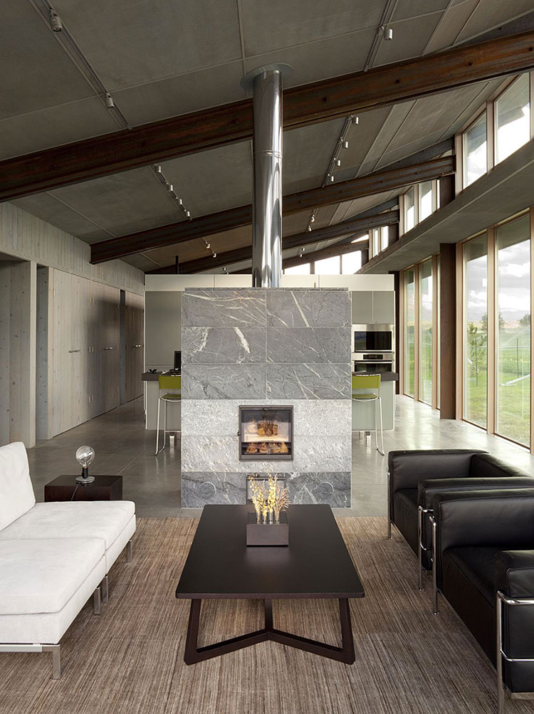 Central fireplace with dividing function n.09