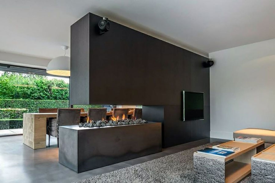 Central fireplace with partition function n.07