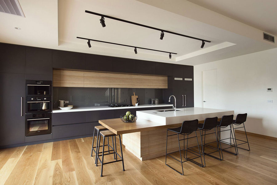 Photo of the kitchen with island and bar shelf for breakfast n.01