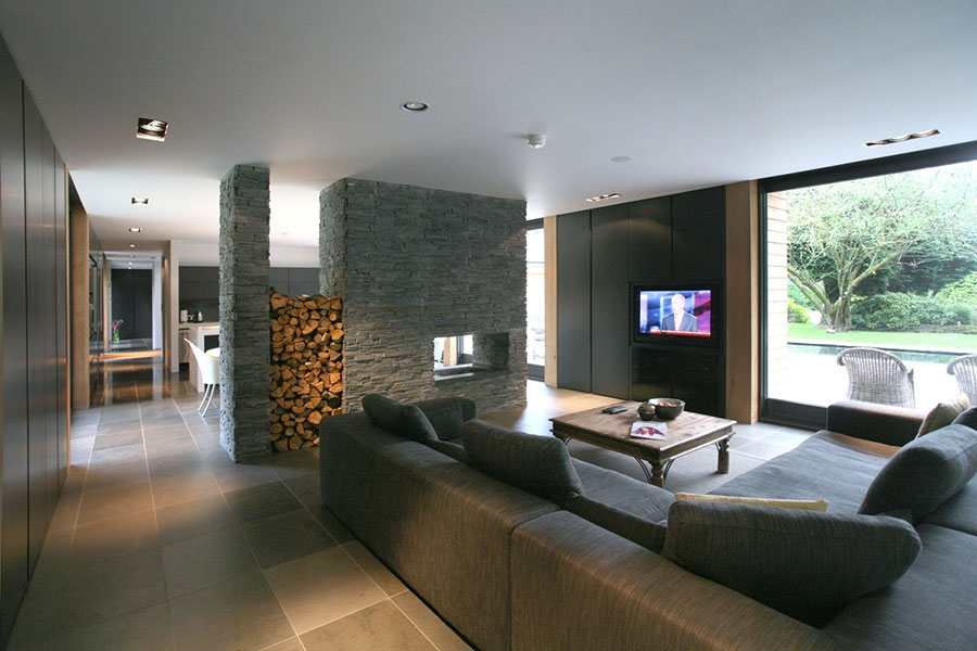 Central fireplace with partition function n.01