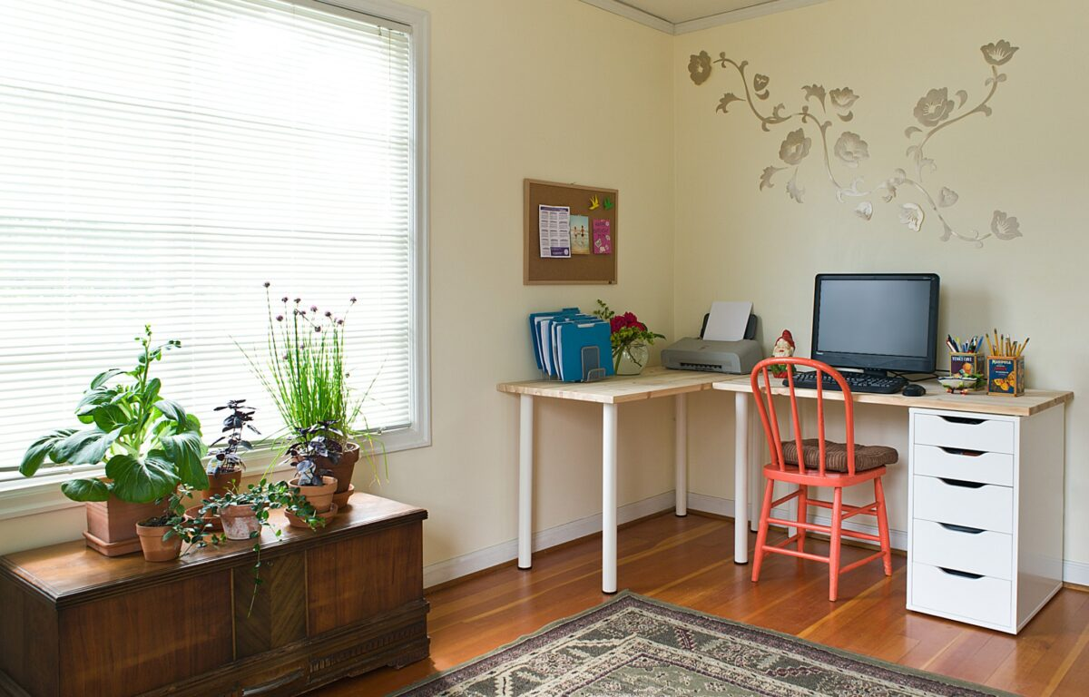 create-a-corner-study-in-bedroom-1