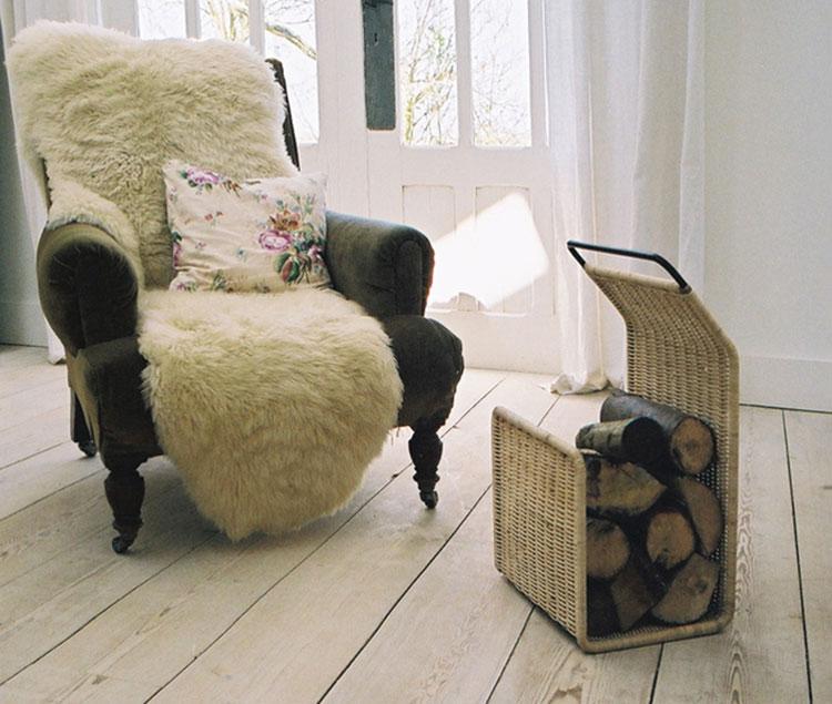 Indoor log holder model with a modern design n.23