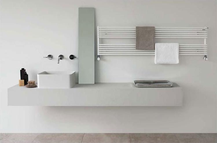 Bathroom radiator with modern design n.10