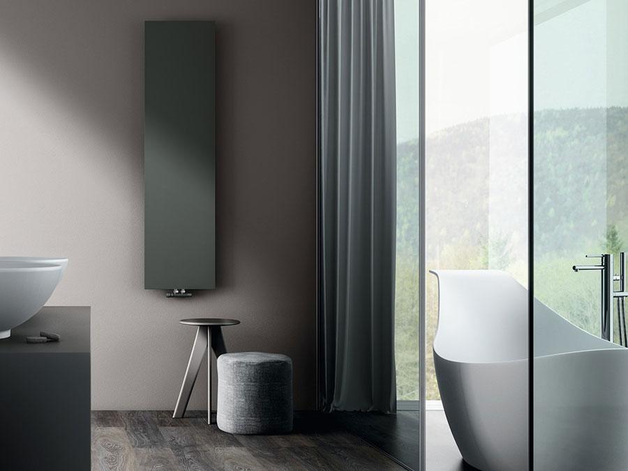 Bathroom radiator with modern design n.23