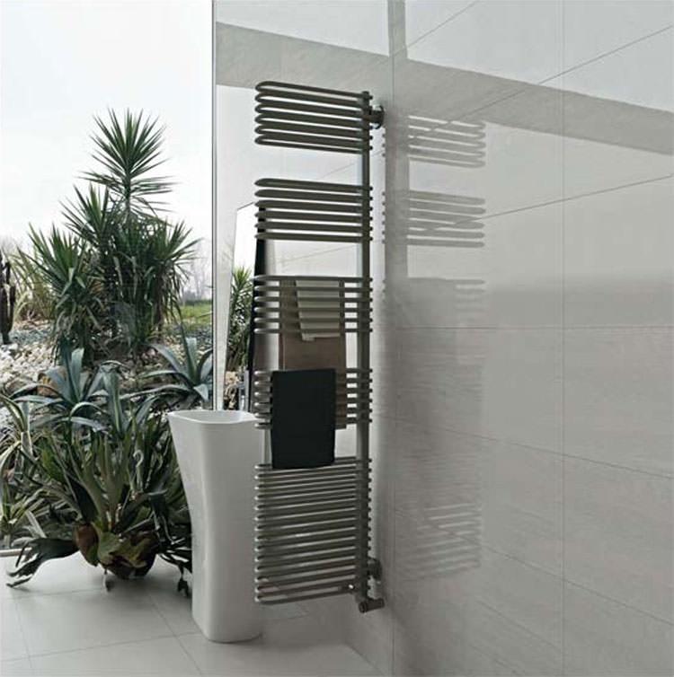 Bathroom radiator with modern design n.11